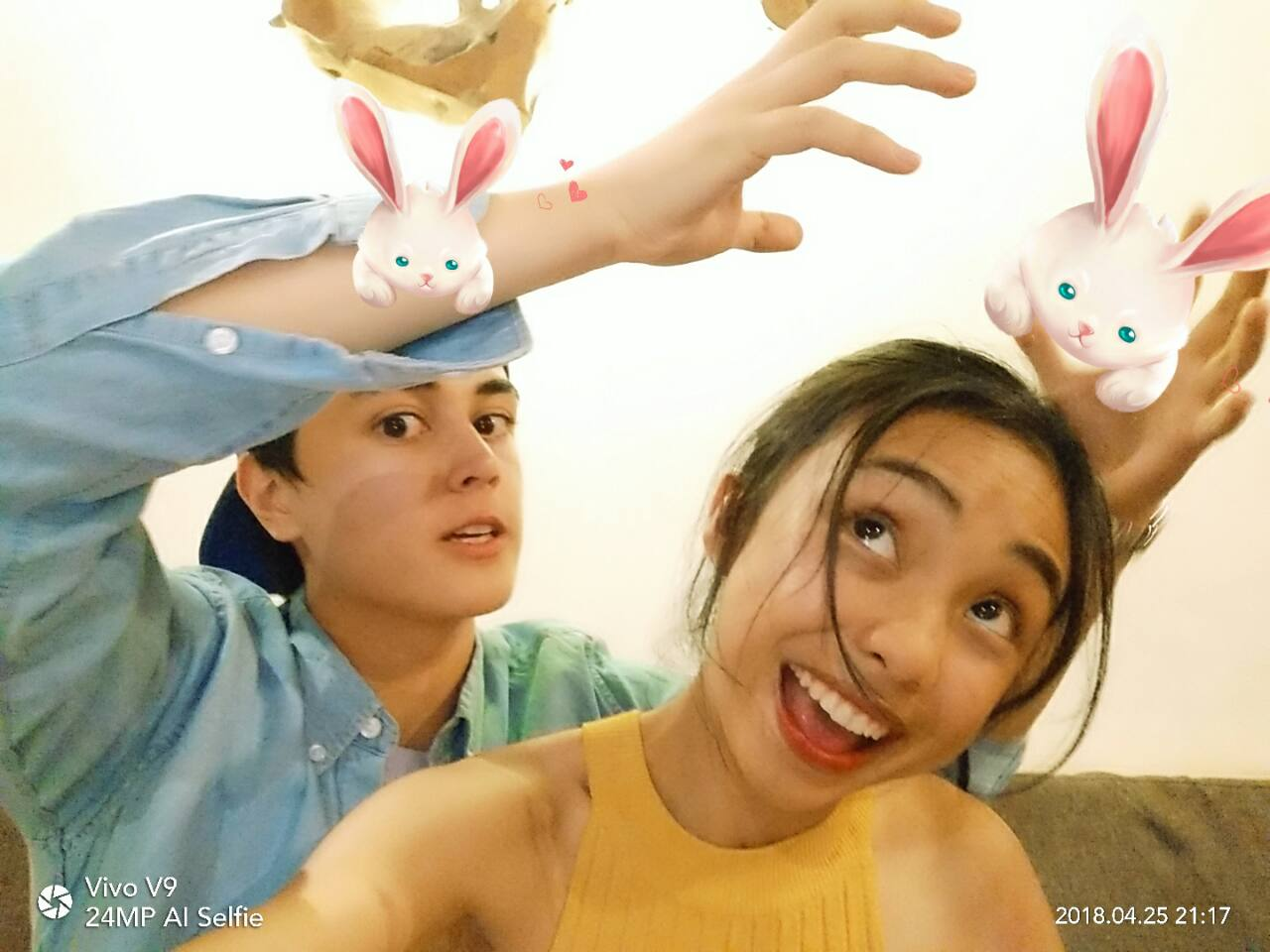 MayWard Goes GaGa on the Vivo V9 AR Sticker App