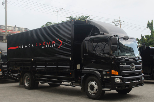 Black Arrow Express Launches a 72-Truck Strong Mega-LineHaul