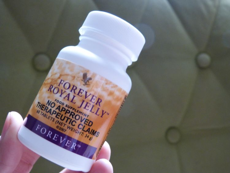 10 Awesome Health Benefits Of Royal Jelly