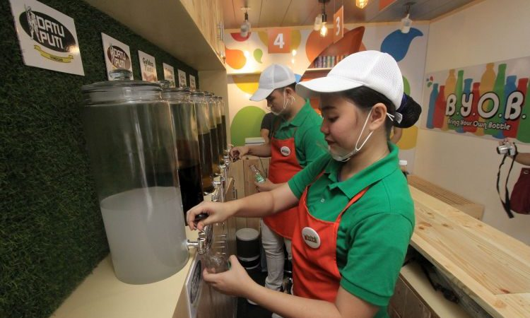 NutriAsia Launches First BYOB Refilling Station For Datu Puti, UFC and Golden Fiesta