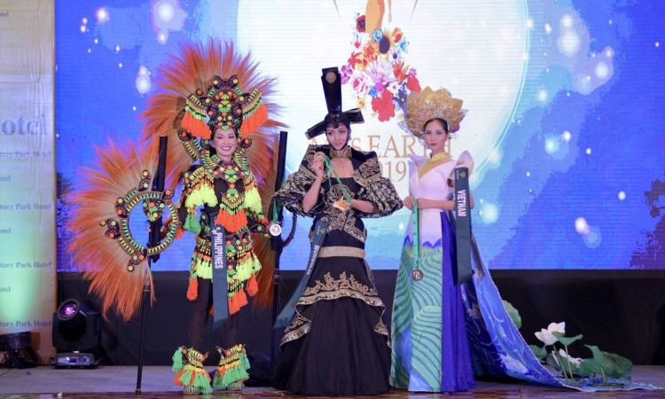 Silver Medal for Miss Philippines During The National Costume Competition of Miss Earth 2019