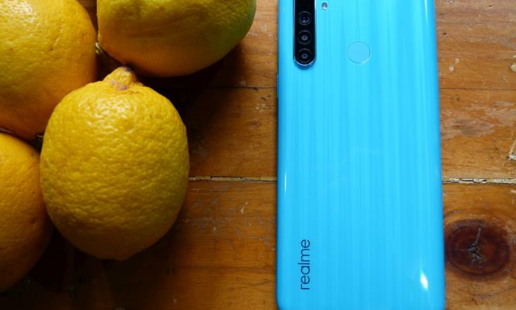 A Closer Look at the New Limited Edition realme 6i Blue Soda