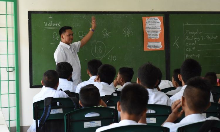 STUDENTS FIRST | Filipino Teachers and the Passion that Makes Learning Continuity Possible