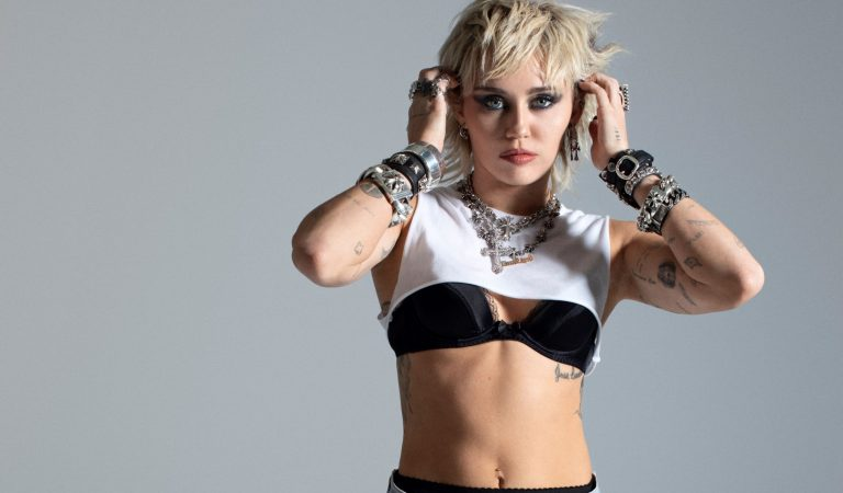 Plastic Hearts | A Retro-Inspired Miley Cyrus Album Featuring Billy Idol, Joan Jett and Dua Lipa