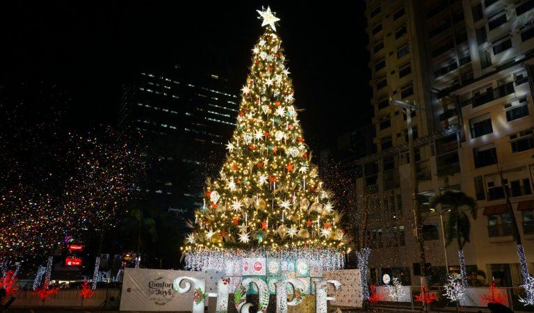 Araneta City Lights Up Giant Christmas Tree of Hope for Christmas 2020