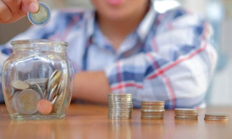 """TIPS: How to Save Up When Your Salary is Just """"enough"""""""