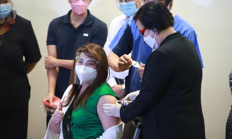 Cardinal Santos Medical Center Starts COVID-19 Vaccination